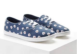 15 printed sneakers for college girls