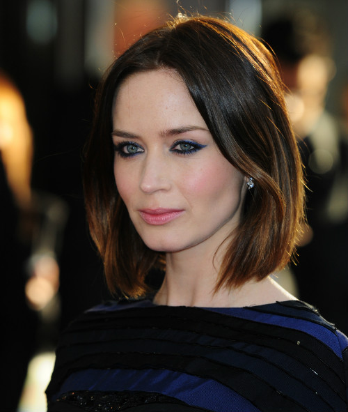 4 celebrity haircuts - emily blunt