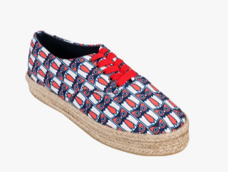 5 printed sneakers for college girls
