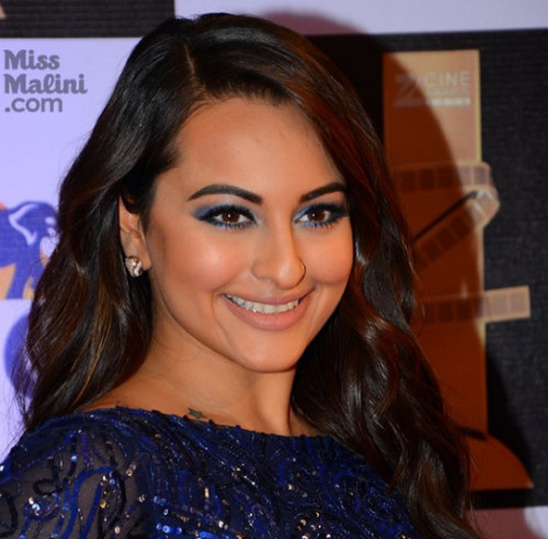 5 ways to wear kajal - sonakshi sinha