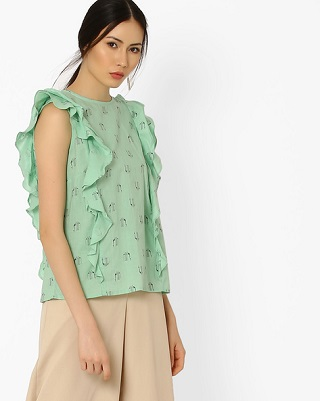6 pastel tops that suit dusky skin