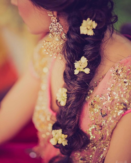 8 bridal hairstyles with flowers