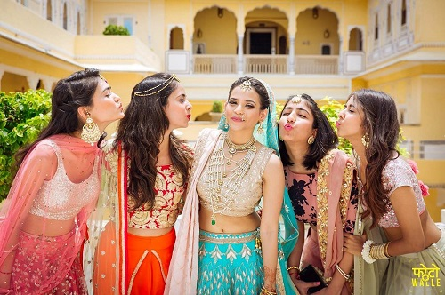 9 bride and bestie pictures
