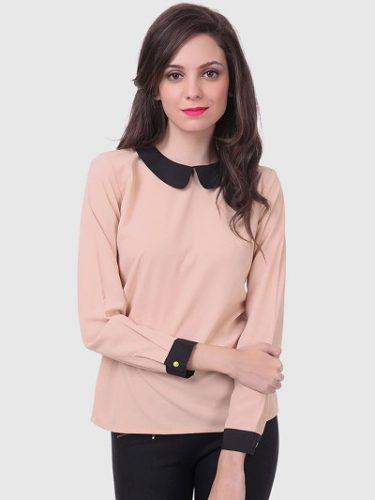 Peach-Coloured-Top-tops-to-make-you-look-slimmer