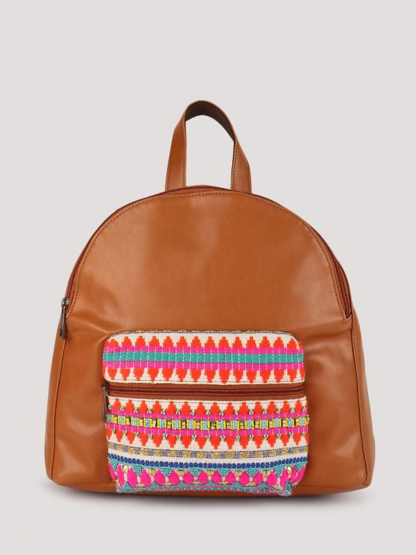 10-  fashion trends- backpack