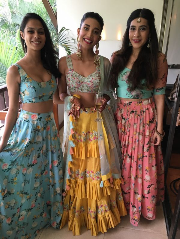 8 coordinated outfits for the mehendi