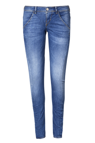 3. things not to wear while traveling - skinny jeans