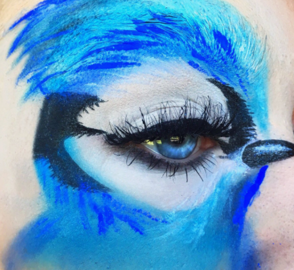 5-mua who draws portraits on her eye- bird makeup