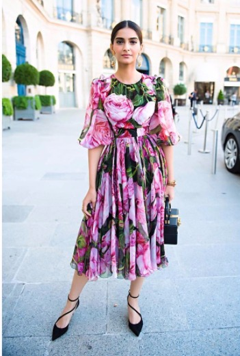 6 sonam kapoor style - floral dress