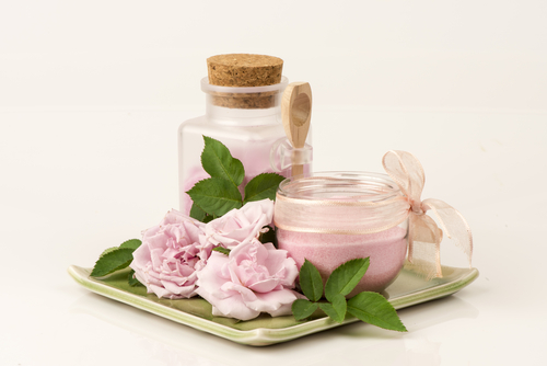 13 benefits of rose water