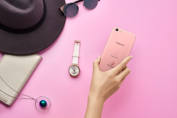 Internal ways to wear shades of pink - OPPO F3 Deepika Limited Edition