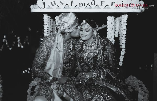real wedding in goa black and white