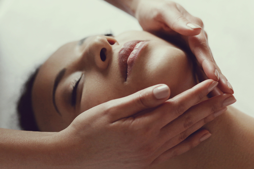 4 facial treatments massage