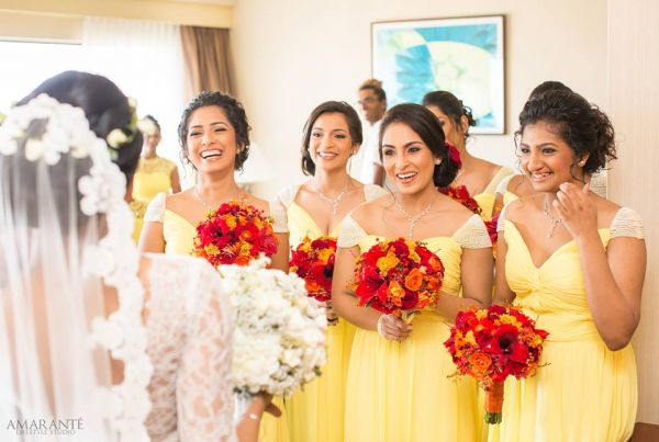 2 Bride   Bestie Moments