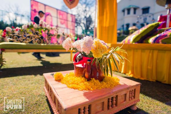 2 destination wedding mehendi decor