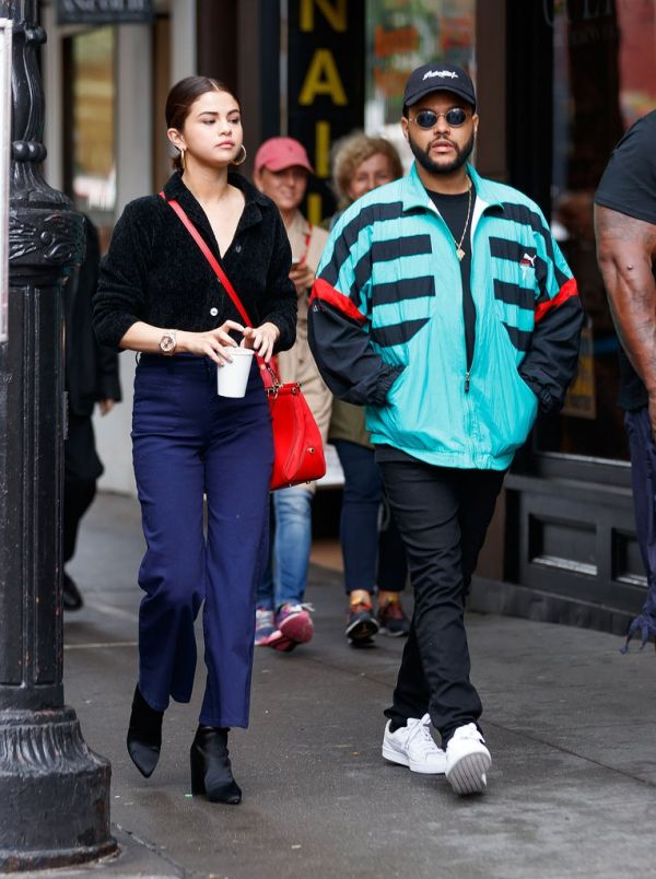 3 Selena Gomez - walking