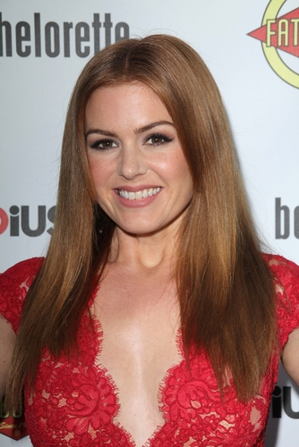 4 hairstyles for round faces - isla fisher straight hair