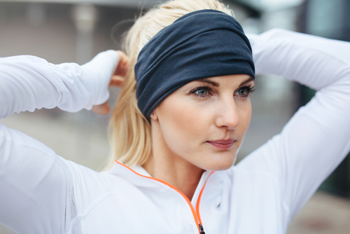 2 how to stay warm during winter workouts cover forehead %281%29