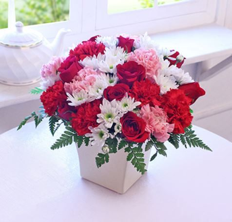 8 rose day - interflora