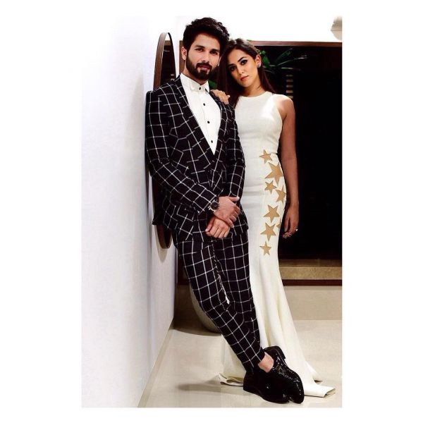 Shahid Kapoor Dedicates His Award To Wife Mira Rajput!