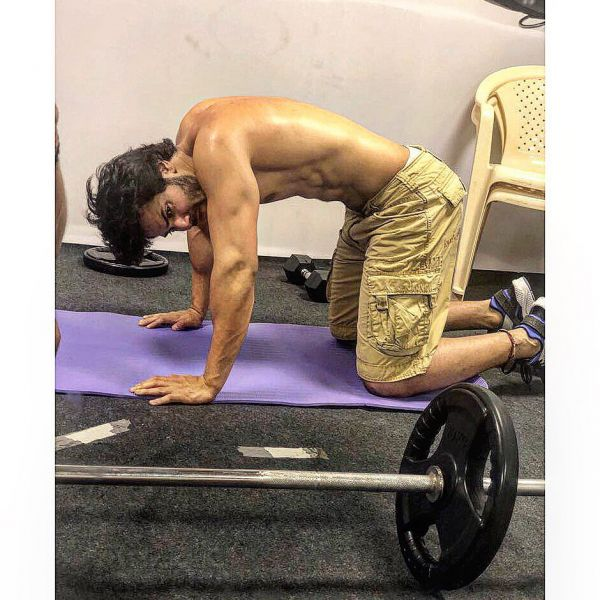 varun dhawan birthday workout