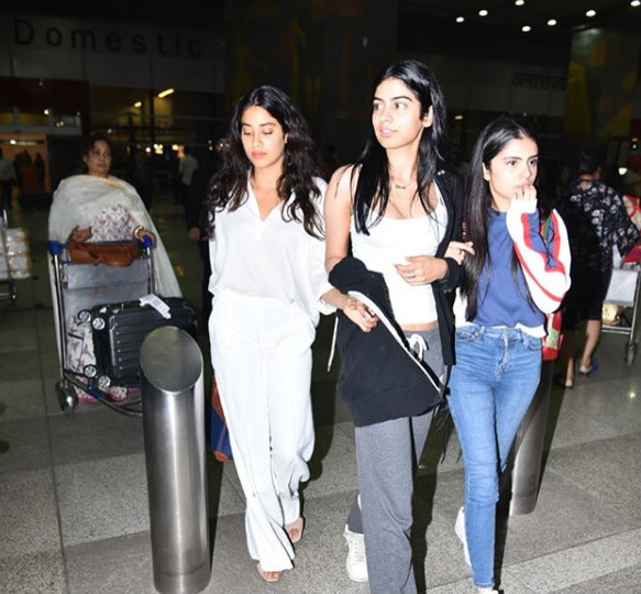 4 Boney janhvi and khushi at the delhi airport