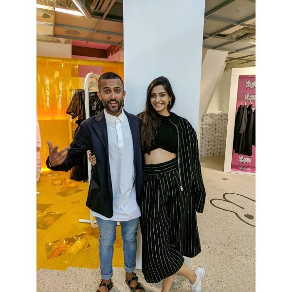 2 Sonam Kapoor and Anand Ahuja Sonam and Anand on Instagram