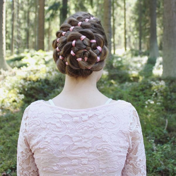 3 rose braid with ribbons