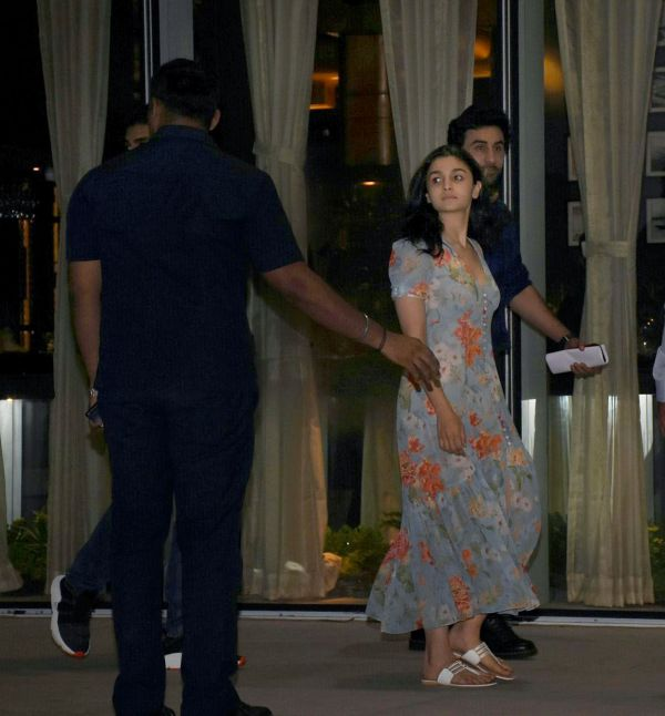 2. Alia and Rabir kapoor on a dinner date