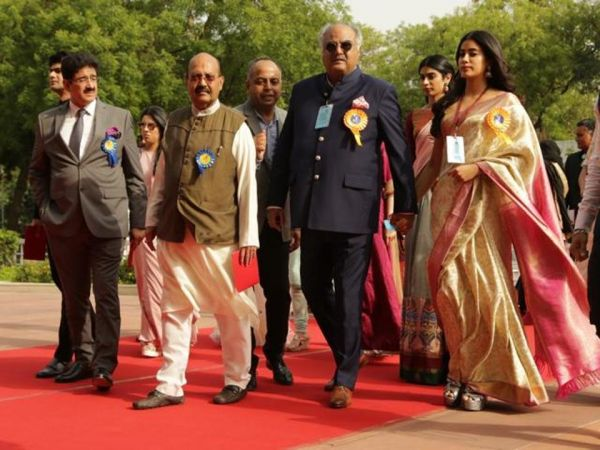 Boney Kapoor with daughter janhvi kapoor at national film awards