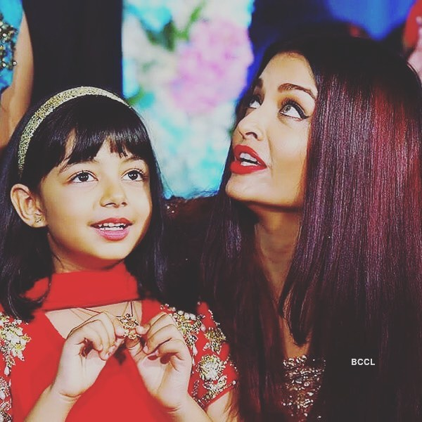 Aradhya Bachchan with mother Aishwarya Rai Bachchan