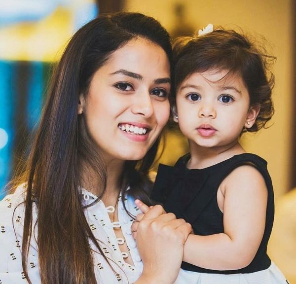 Misha Kapoor posing with mother Mira Kapoor