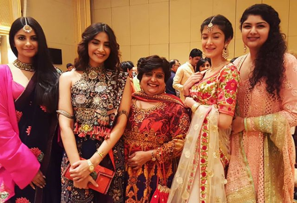veena with kapoor family