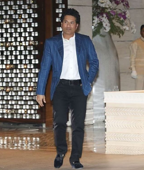 sachin tendulkr at isha ambani engagement