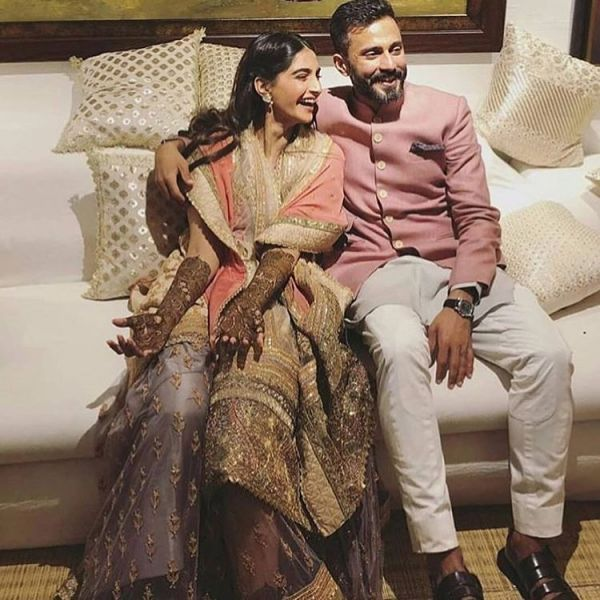 Sonam Kapoor ahuja with anand ahuja at her mehendi