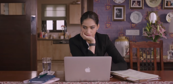sonam kapoor macbook veere di wedding