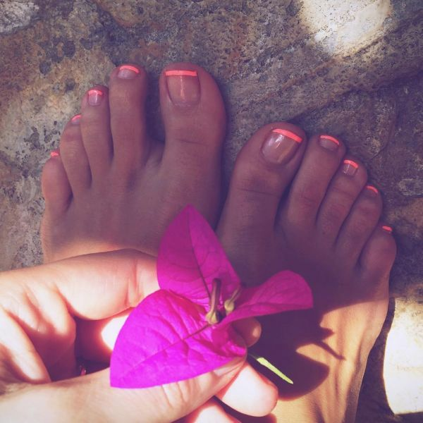 10 toe nail art summer instragram neon french