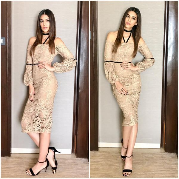 6 kriti sanon naked dress bollywood