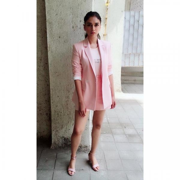 1. aditi rao hydari the long and short of it short suit