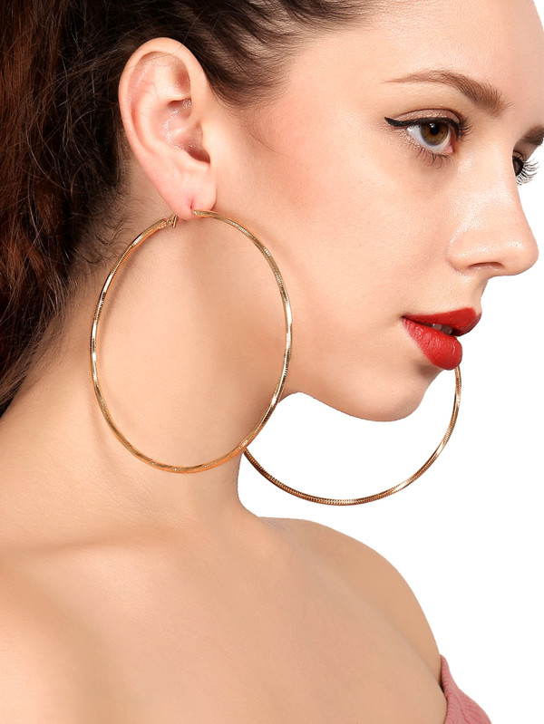 5 deepika padukone - hoop earrings