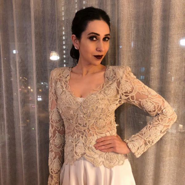 4 karisma kapoor  strong eye strong lip