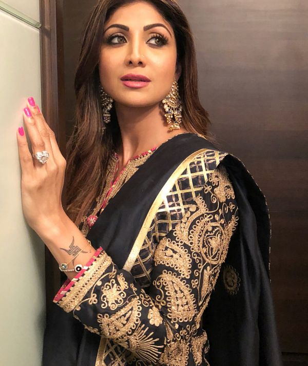 shilpa shetty minimal makeup look baba siddique iftaar party