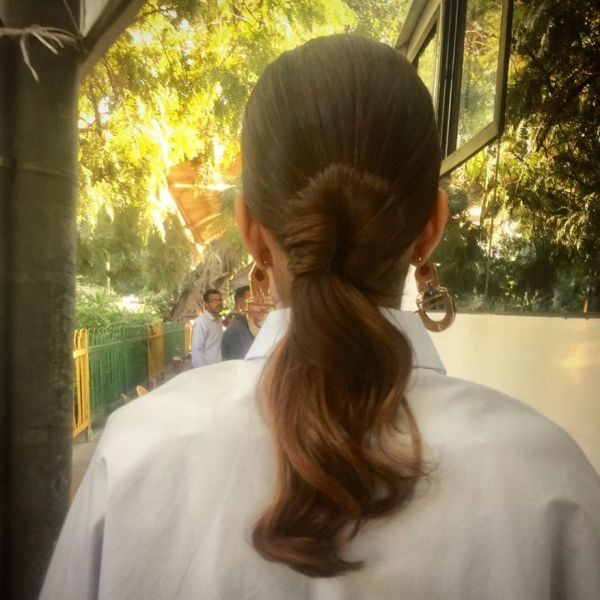 2 sonam kapoor veere di wedding hairstyle hiral instagram half pull through