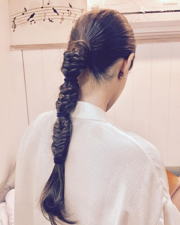 6 sonam kapoor veere di wedding hairstyle hiral instagram bubble fishtail braid