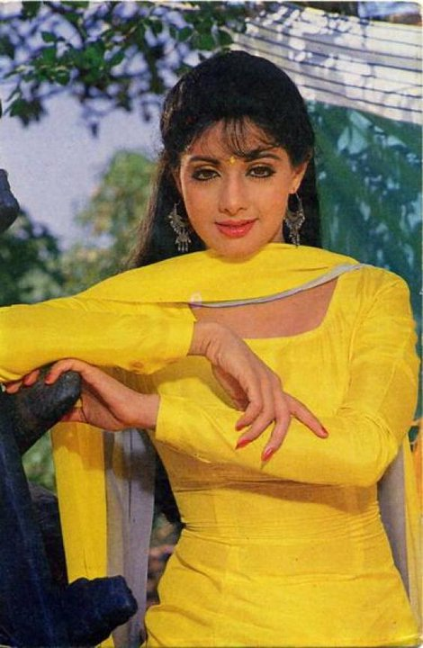 sridevi in yellow suit janhvi new look sridevi