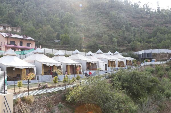 1 family in the hills - luxury tents