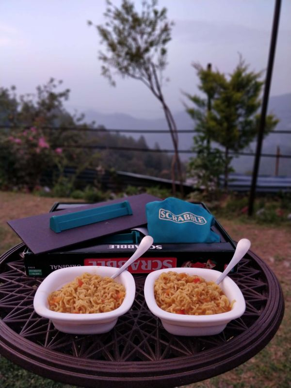 3 family in the hills - maggi in hills %281%29