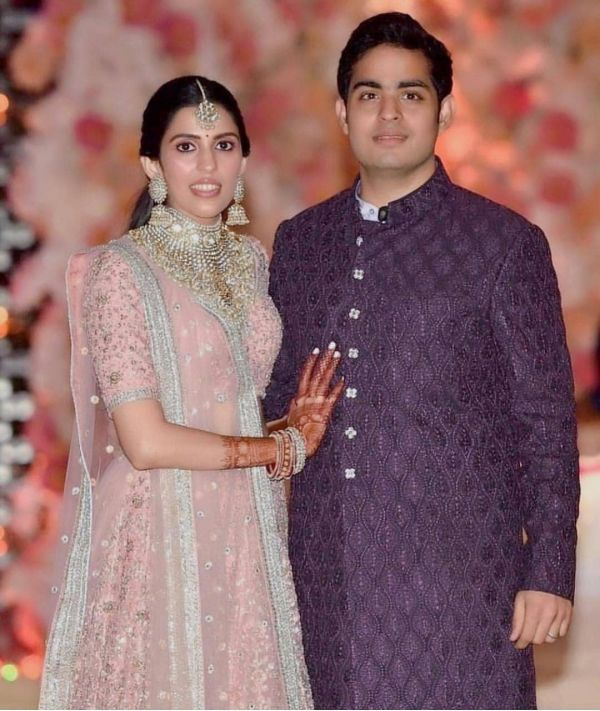 shloka mehta and akash ambani at their pre-engagement bash