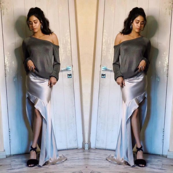 1 janhvi kapoor - grey outfit dhadak promotions