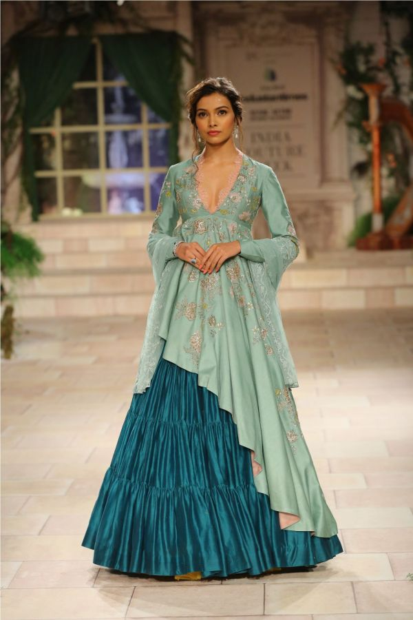 A MAIDEN'S PRAYER Showcased by Designer Anju Modi at India Couture Week %2816%29